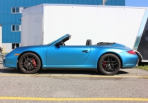 high blue shimmer pearl Porsche